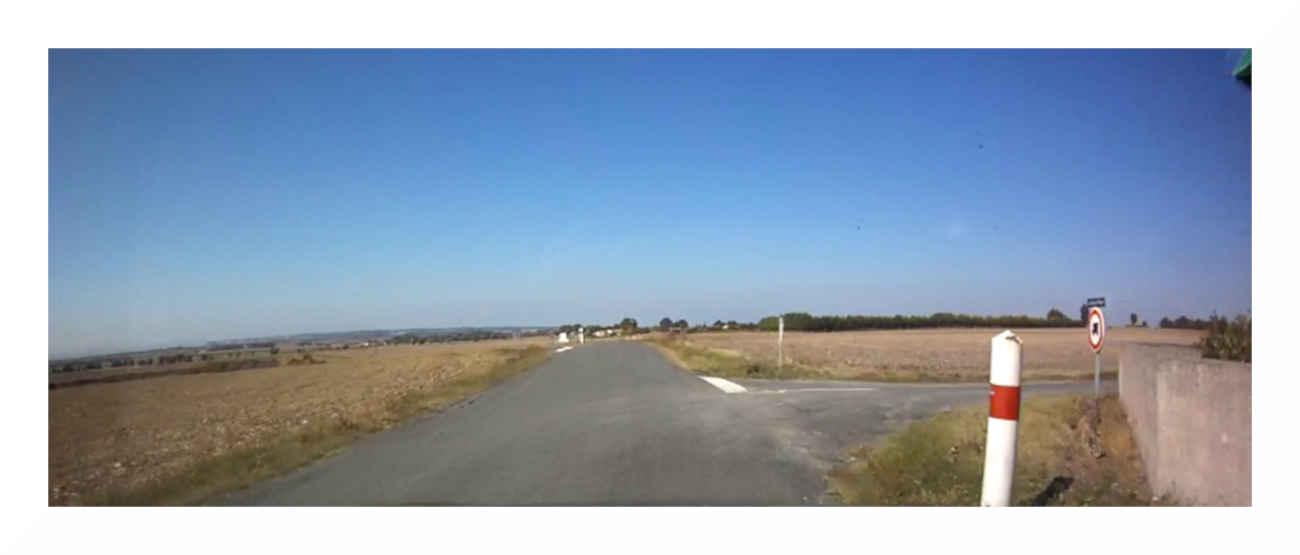 Remplacement des panneaux de signalisation sur la route départementale D 244